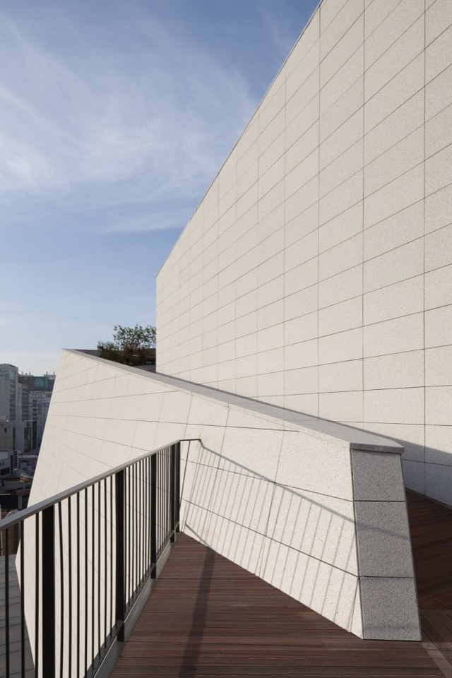 歌尔绿城项目石材幕墙工程