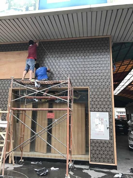 镂空雕花铝单板安装施工现场