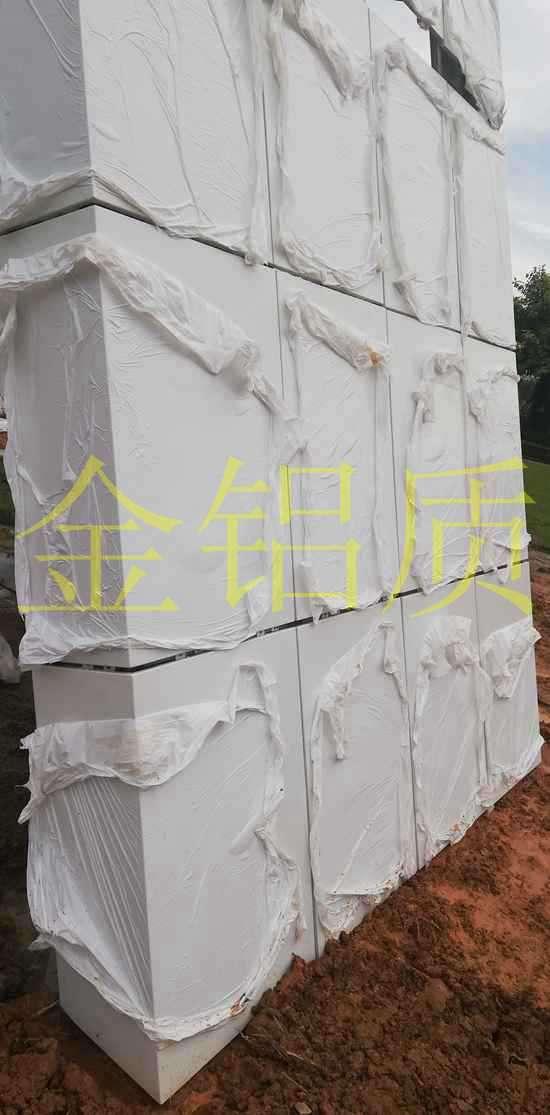 安装氟碳铝单板幕墙时需要注意