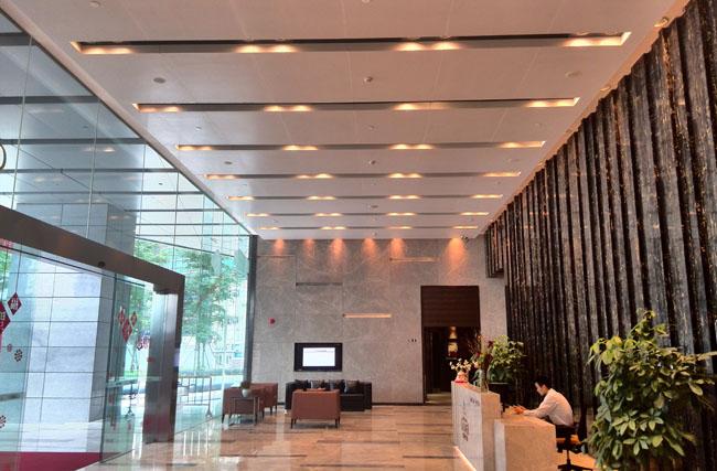 聚酯辊涂铝蜂窝板工程案例之广州保利克洛维