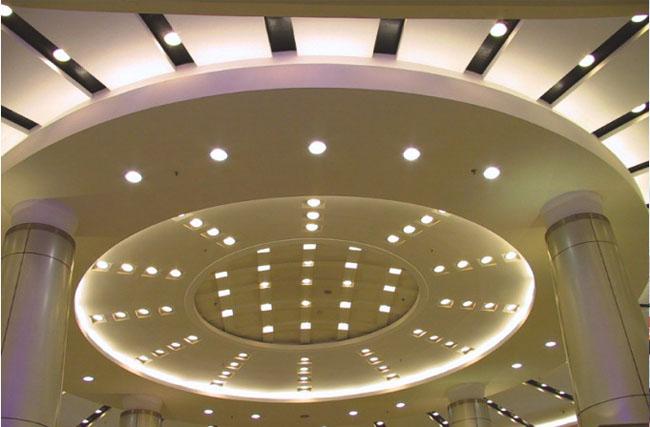 室内铝单板吊顶铝方通案例中华广场幕墙
