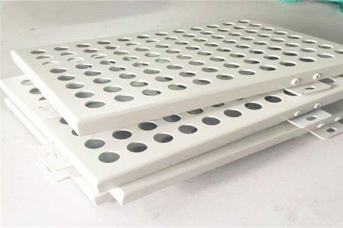 金铝质制造让客户满意的铝单板